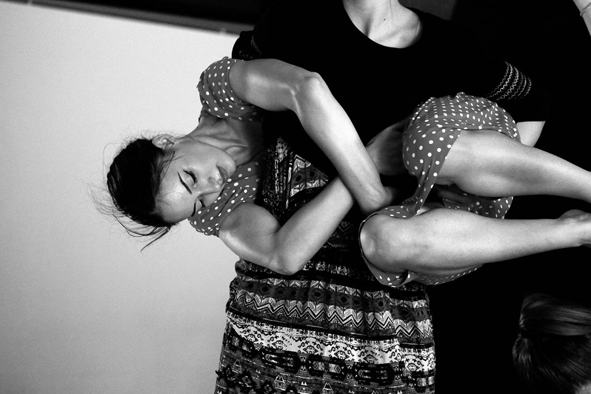 contact improvisation - dance lab